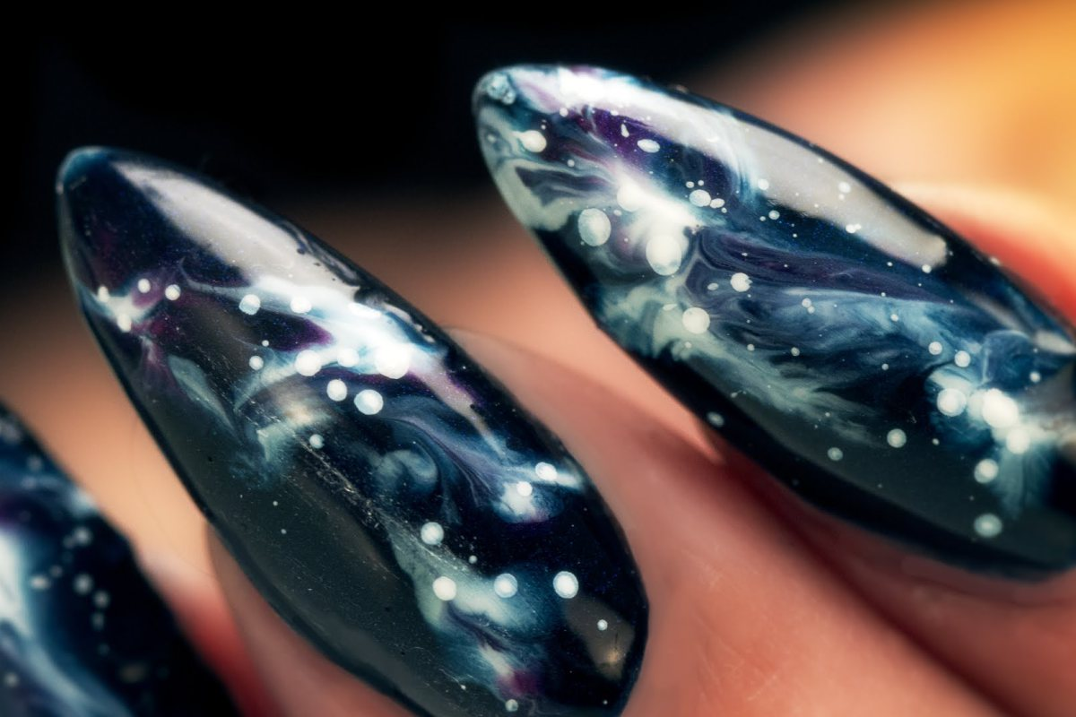 Galaxy nails - Trieu Nails London