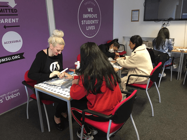 Pop up nails london